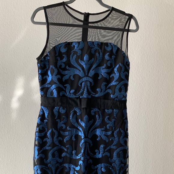 Taylor Dresses & Skirts - Taylor Blue Sequin Print Sheath Dress